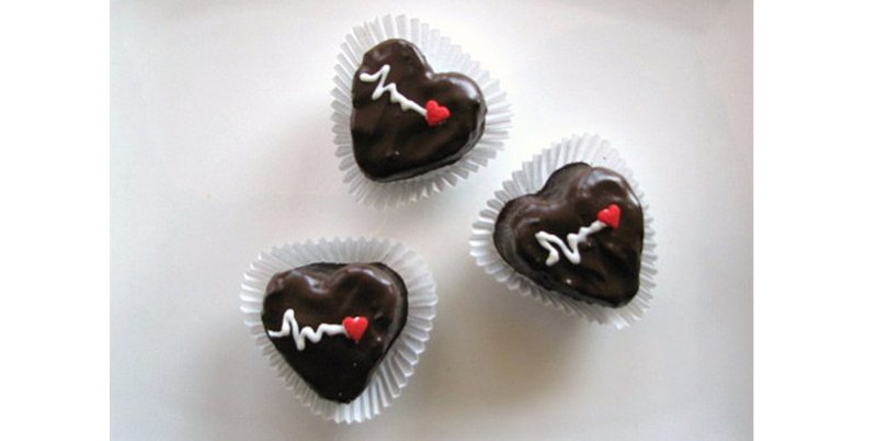 Here's a list of 5 awesomely delicious gifts to treat your sweetie on Valentine's Day. Enjoy!