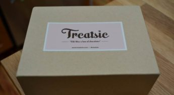 Treatsie offers a monthly subscription to gourmet sweets from the most amazing small-batch confectioners in the US. Here's my review of one of their monthly subscription boxes. You can find links and additional details in my subscription box directory.