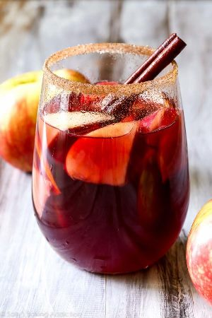 Here's 5 really grown up fall cocktails for your thanksgiving feast!