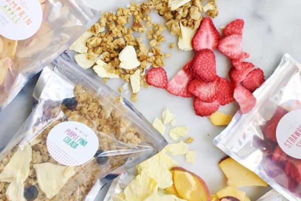 Here's 5 subscription box gift ideas for people who love to snack!