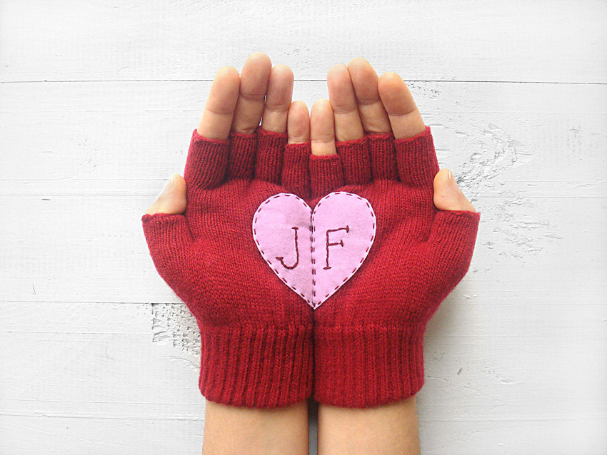 Valentine's Day is almost here! Check out my handmade gift guide for her!