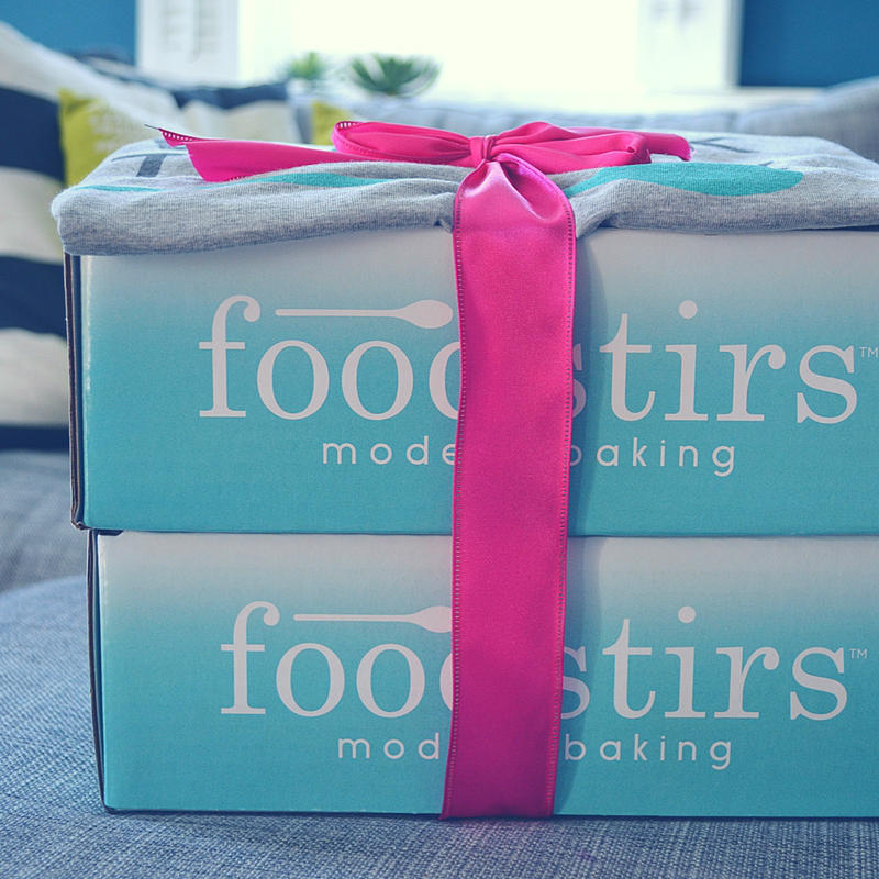 I'm reviewing two adorable baking kits from Foodstirs right here!