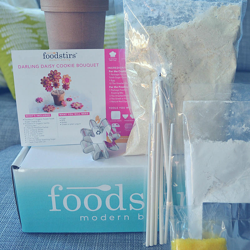 We're baking organic cookies with our Foodstirs baking kit. Check it out!