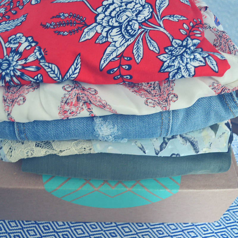 Who's ready to enter this gigantic Stitch Fix Giveaway?