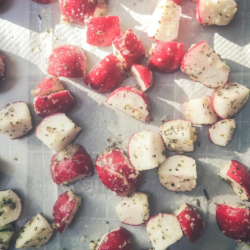 These Garlic Parm Roasted Radishes taste just like potatoes