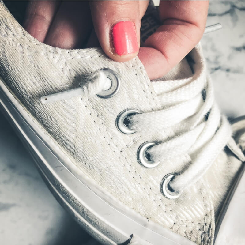 Clean Sneakers! How to get them squeeky clean + white for Summer.