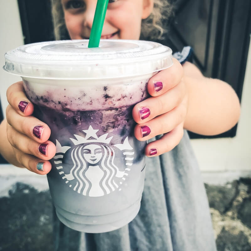 11 delicious Starbucks Drinks for kids (plus 4 Mom and Me pairings!)