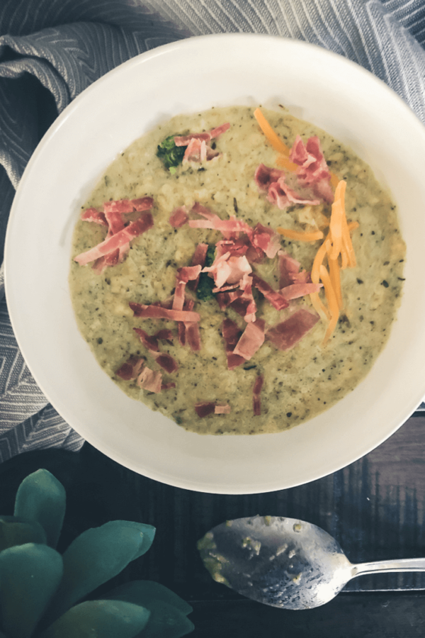 slow cooker broccoli and cheese keto soup