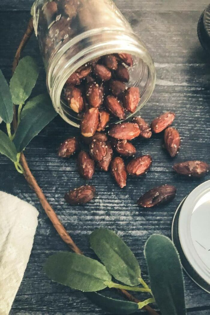 Sugar free candied almonds with cinnamon and vanilla